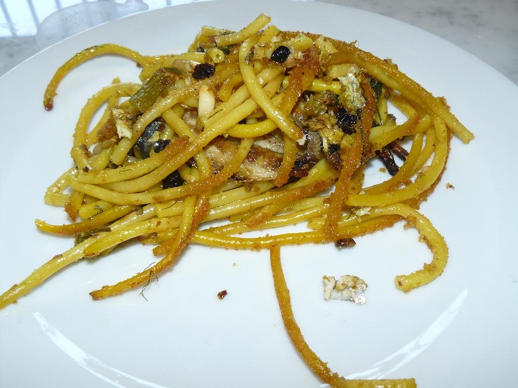 pasta con le sarde in piatto 2