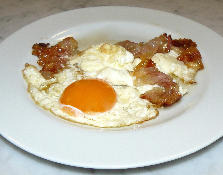 uova e speck