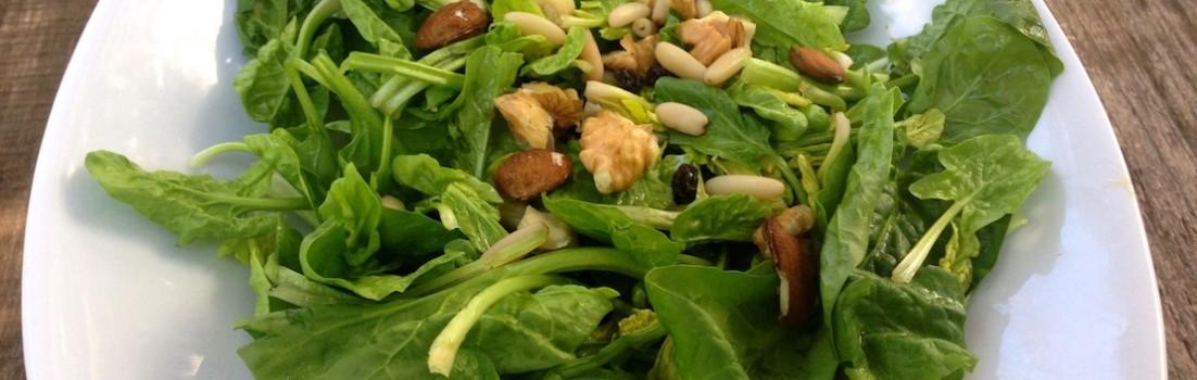 insalata spinaci e frutta secca