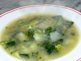 Copia di zuppa di patate e broccoli