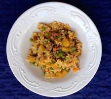 pasta piselli patate e carne macinata